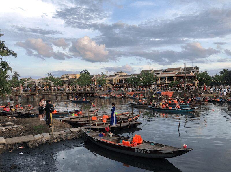 barche e lanterne hoi an vietnam