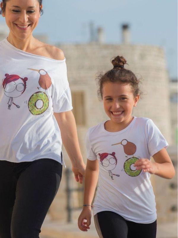 tshirt cotone donna e bambini disegno ciambella verde