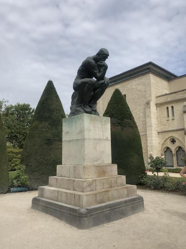muoseo rodin villa a Parigi statua Il pensatore