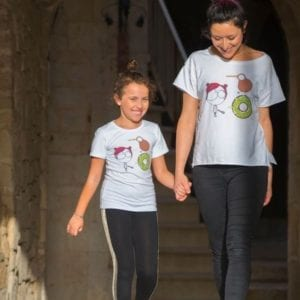tshirt abbigliamento donna e bambini illustrate mamma e figlia