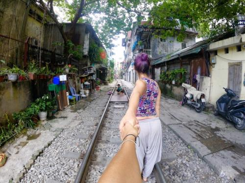 hanoi train street vecchia hanoi itinerario vietnam